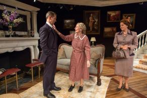 A Picture of Autumn at the Mint Theater – a Jovial Quirky Romp