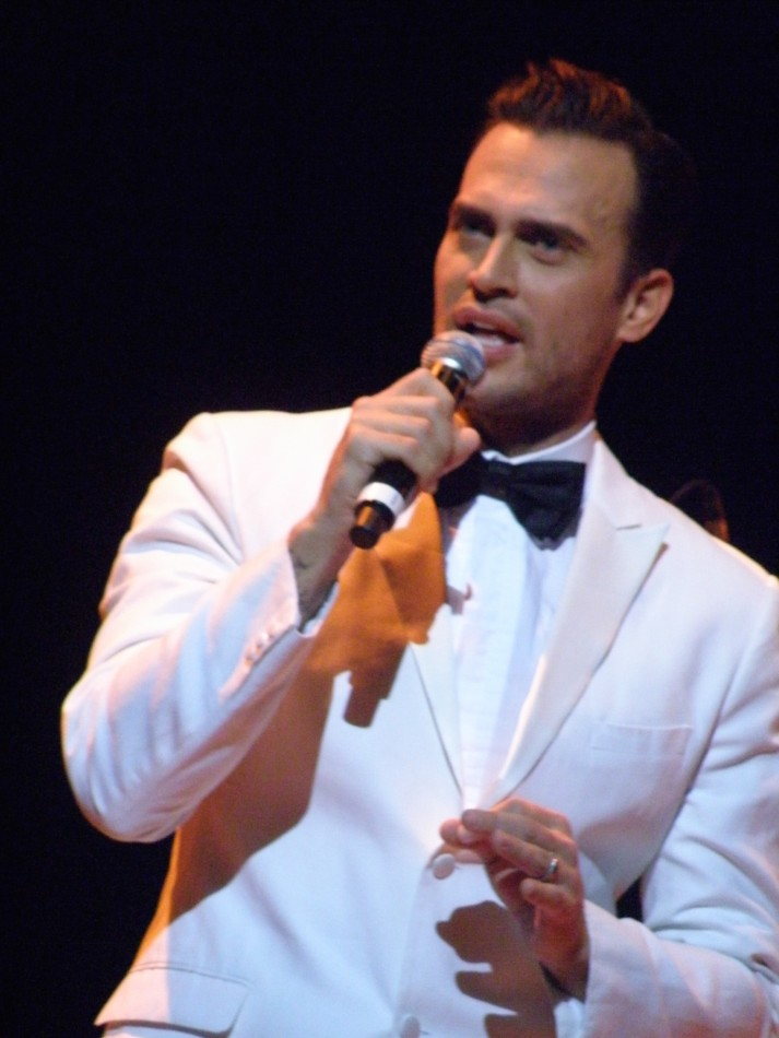 Cheyenne Jackson with Guest Laura Benanti – Town Hall