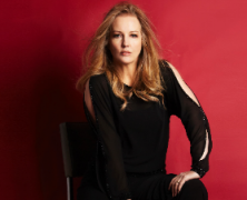 Stacy Sullivan Sings a Double-Header at Birdland