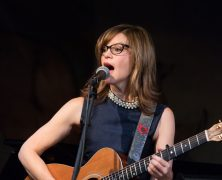 Lisa Loeb at Café Carlyle